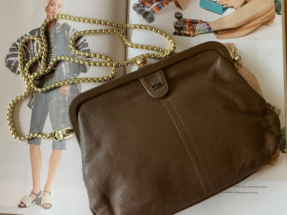 Vintage brown shoulder bag | soft leather | coffee colored| crossover | eighties bag | cross body bag | gold colored strap