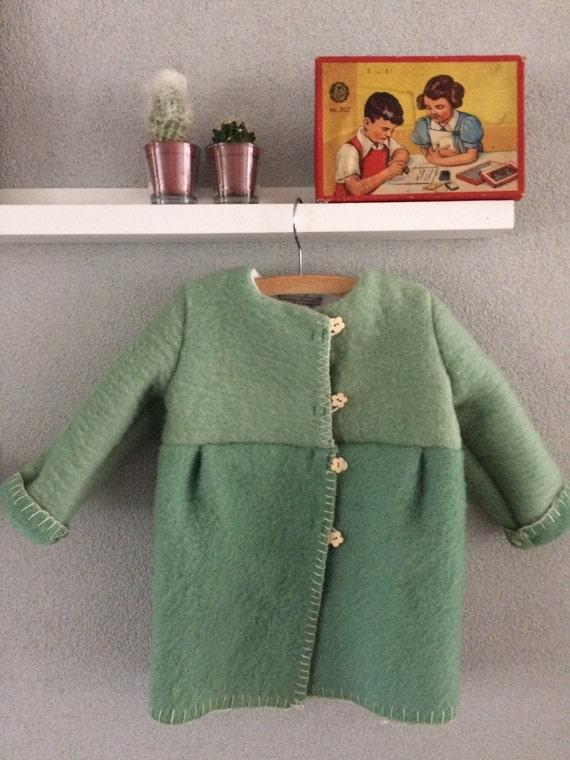 Girls jacket, blanket coat dekenjas made of a vintage green wool blanket, size 98