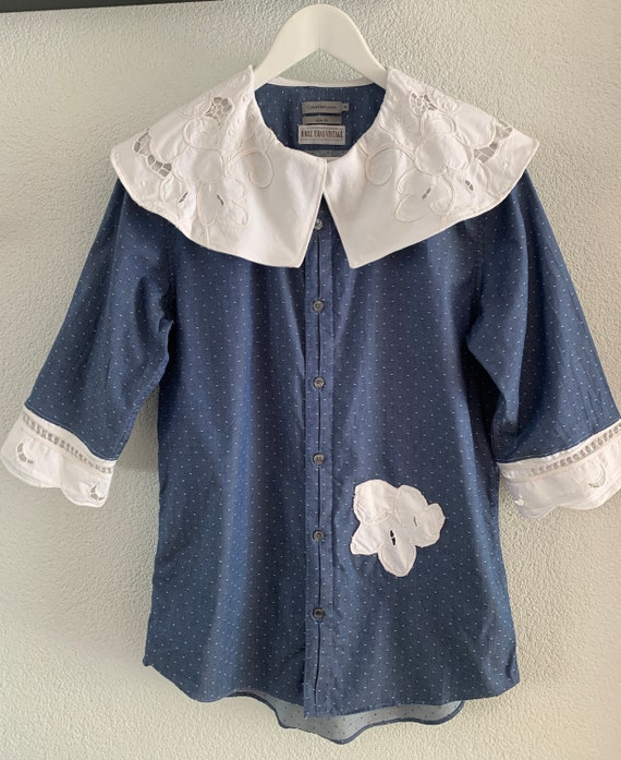 Reworked blouse | shirt | Calvin Klein jeans | tablecloth | lace | Peter Pan collar | cotton | blue | chambray | size M