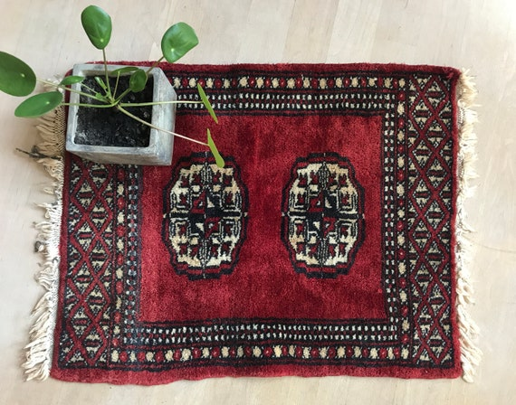 Vintage Pakistani Bochara rug | tablecloth | Eastern rug | red cloth | small rug | wool rug