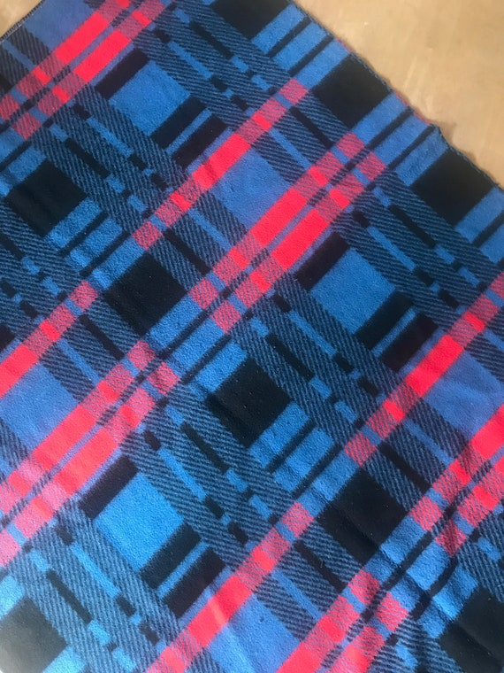 Vintage blanket | Dutch | polyester | blanket | blue red pattern | synthetic | throw