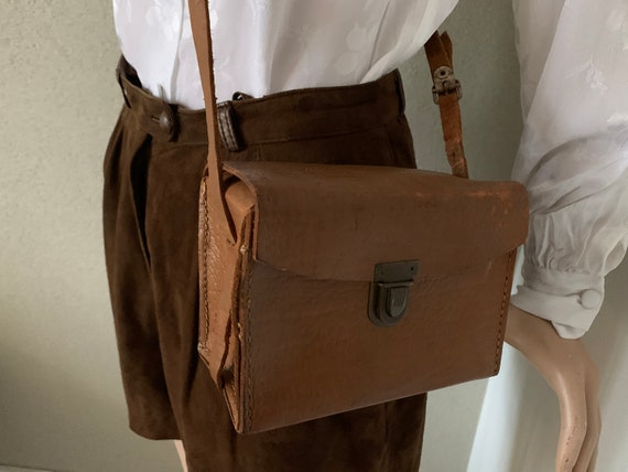 Vintage brown shoulder bag | leather | brown leather | crossover | nineties bag | cross body bag | purse | camerabag