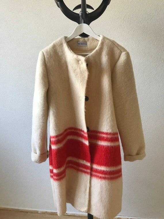 Handmade coat | blanket coat |  jacket | blanketcoat | wool | offwhite with red | AaBee blanket | Dutch blanket | Royal Navy, size M