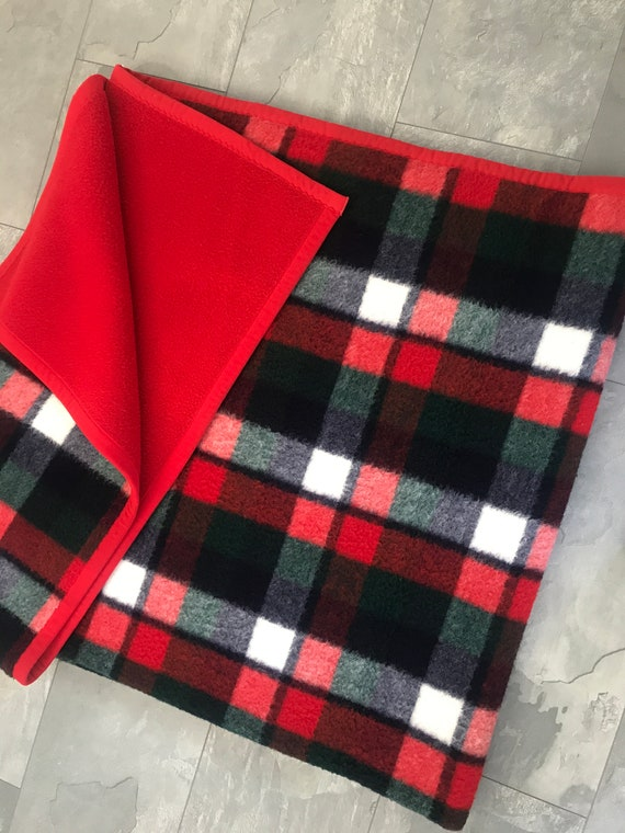 Vintage blanket | Dutch | AaBee | polyester | blanket | blue red pattern | synthetic | throw | made in Holland | checkered | red