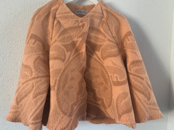 Handmade coat | blanket coat |  jacket | blanketcoat | design | Dutch blanket | short | clocking | hand tailored | salmon colored | flower