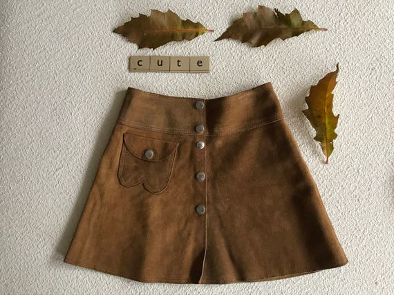 Vintage brown suède skirt, size 122-128 (appr. 6-8 yrs)