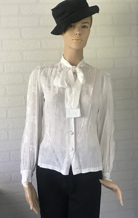 Vintage blouse | Jean Painse Paris | French designer | Paris | white blouse | bow blouse | white flowers | JP Paris |