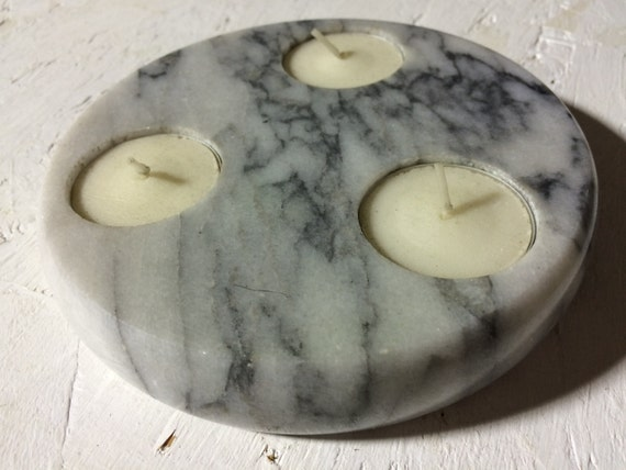 Vintage marble tea lightholder for three tea lights.