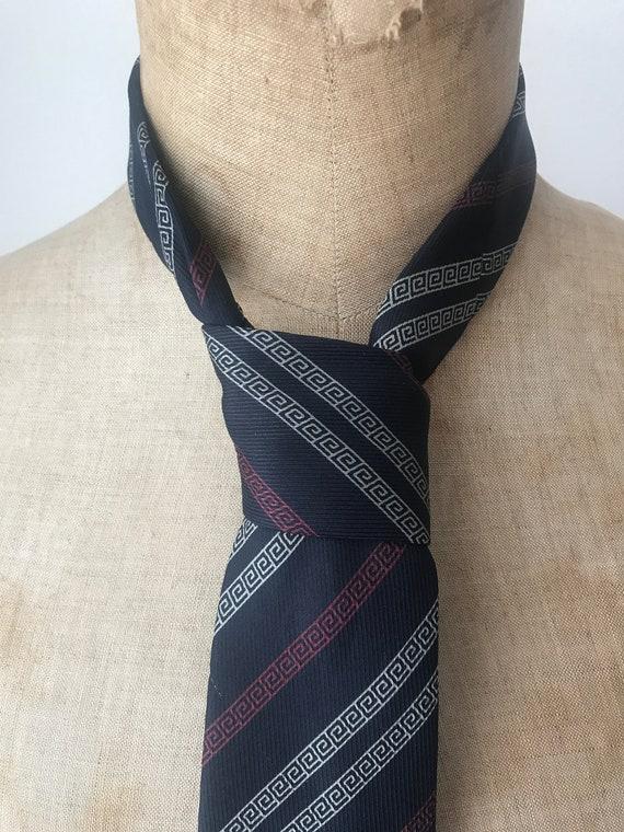 Vintage tie | Etienne Aigner | silk | logo| designer | Italian