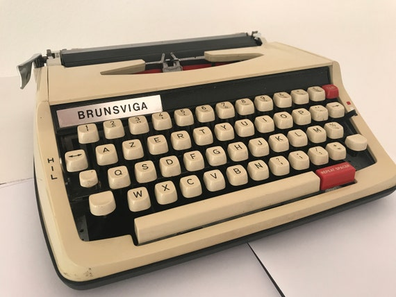 Vintage Brother de luxe 850 TR typewriter | portable | Brunsviga | Japan | plastic | AZERTY | manual | repeat spacer