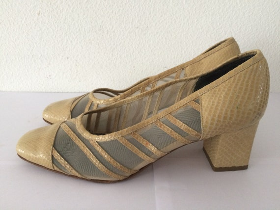 Vintage rare beige snakeskin shoes with blockheel, size EUR 39
