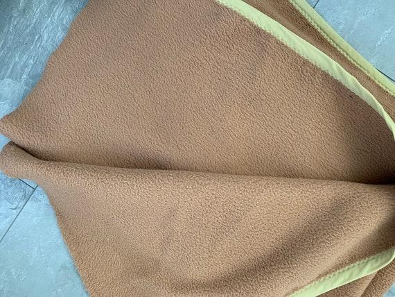 Vintage blanket | Dutch | dralon | synthetic | light brown | throw | AaBee | Aabélon