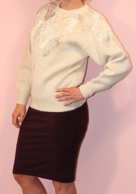 Embroidered Sweater/Sweater/White/ Large