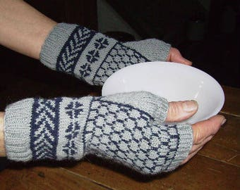 Kit - knit Natalie Fingerless Mitts