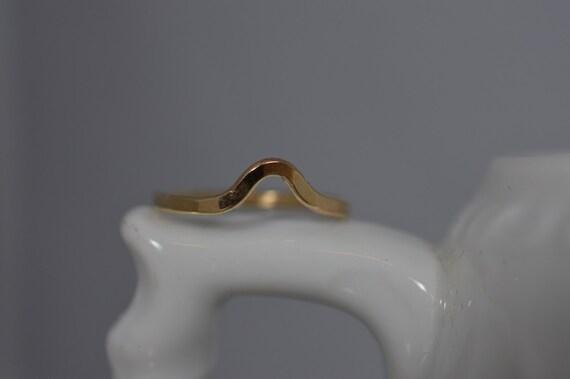 14k Solid Gold Hammered Chevron Ring - Midi or Regular Chevron Ring