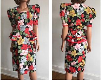 1980s Dress 80s Does 40s Dress 1980s Floral Dress Tropical Print Dress Peplum Dress Wide Shoulder Dress Big Shoulder 80s Day Dress Dress M