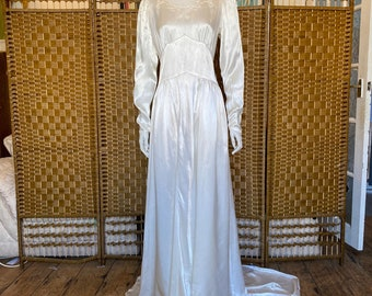 Vintage 30s 40s Delicate FLORAL IVORY Button front belted Maxi WEDDING Dress 10 S 1930s 1940s Bridal Wartime