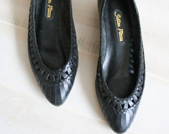 Vintage 80s Cut Out Leather Flats, 1980s Woven Leather Flats, Braided, Boho, 7