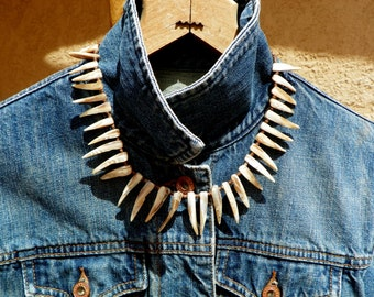 Mother of pearl spike necklace