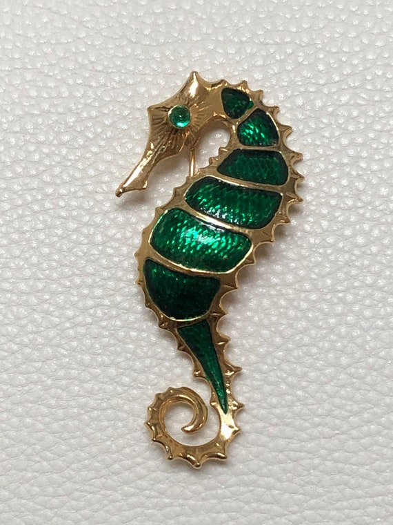 Vintage diamante seahorse gold tone brooch  pin some gems missing