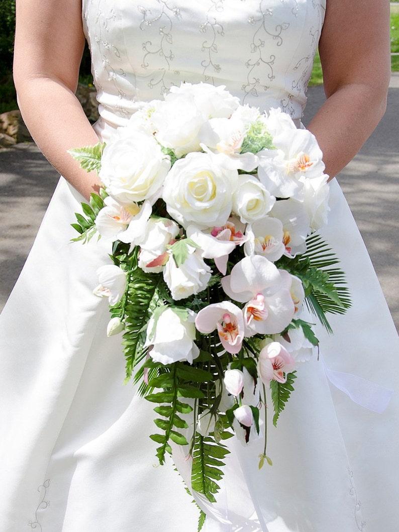 Bouquet Da Sposa Orchidee.Bouqeut Da Sposa Cascata Di Rose Orchidee Felci Bouquet Da Sposa Per Il Tuo Matrimonio Bouquet Da Sposa I Fiori Di Seta Bouquet Per La Sposa