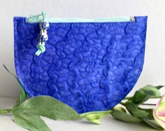 Zipper pouch demi-CIRCLE in electric blue leather. Cosmetic pouch. Bag insert. gift for women.
