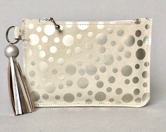 Leather purse / coin wallet ZIPP in off white with silver polka dots printed leather. Leather purse with silver tassel. Gift for women