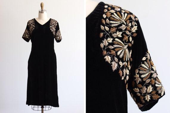 1940s Black Velvet Embroidery Asian Tunic Dress