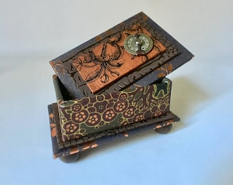 Small Brown and Copper Gift Box with Vintage Watch Face