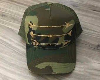 Arrows Gold Glitter Trucker Distressed Camo Hat Mesh Camping Desert Riding Country Patriotic