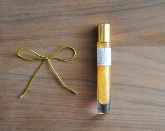 Lip Tinsel Lip Gloss. Natural Lip Gloss. Violet Lip Gloss. Shimmer Lip Gloss. Everyday Lip Gloss. Lip Tinsel. Gold Lip Gloss. Free Pouch