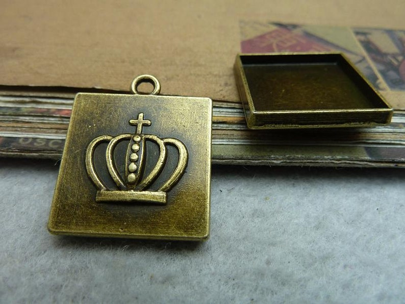 10pcs inner 20x20mm Antique BronzeAncient silver Square Cameo Cabochon Base Setting Charm Pendant B20x20
