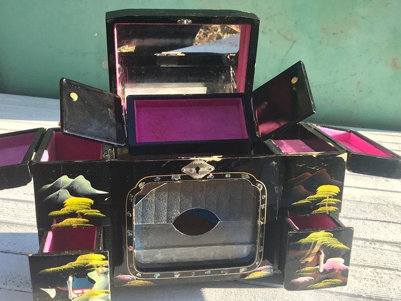 Vintage Chinese laquer vanity box 1950\u2019s