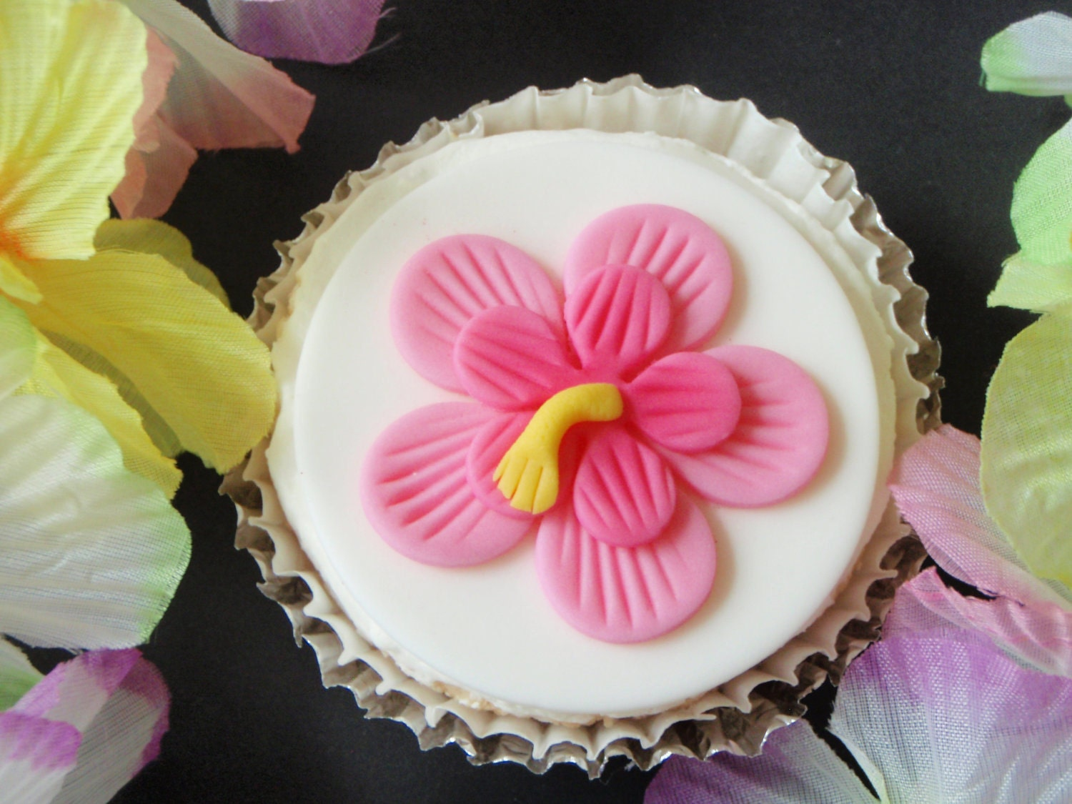 Tropical Luau Hibiscus Flower Fondant Cupcake Topper Etsy