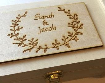 Wine box - wreath personalized wine box