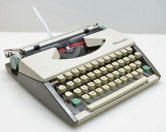 1962 Olympia SF DeLuxe Rare CURSIVE Script Travel Typewriter, Serviced with New Ribbon, Fully Tested and Functioning, Made in Germany