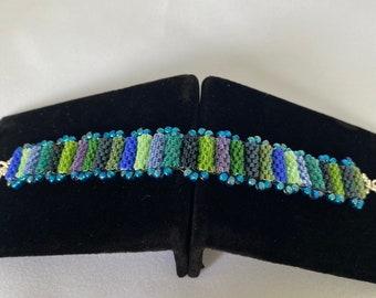 Short Length Beaded Tube Bead Bracelet