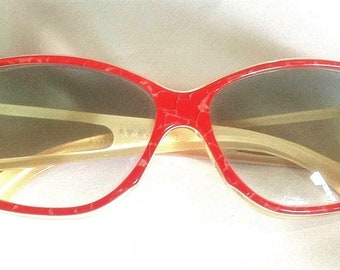 3b44ab0e004 Alain Mikli 1980s Women Vintage Sunglasses   Gradient Lenses - Rare Space  Age Bicolour Frame - Unique Handcrafted Design - New from France