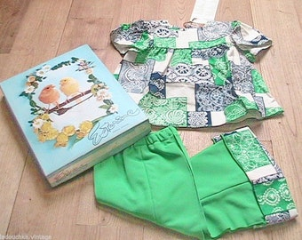 French 1960s BABY GIRL OUTFIT~ Eye-Catcher Pleated Blouse & Bell Bottom Pants ~Hippie / Bohemian~Unworn : New in Original Vintage Box ~ 18 m