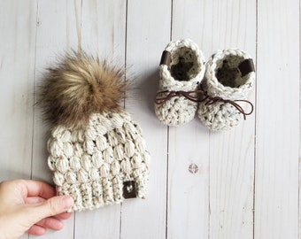 Baby Booties Toddler Booties Beanie and Booties Set Toddler Pom Beanie Hand Knitted Hat and Booties Set Baby Pom Beanie Hat