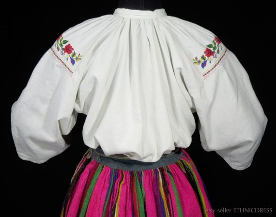 ANTIQUE hand-embroidered peasant blouse from Lowi… - image 2