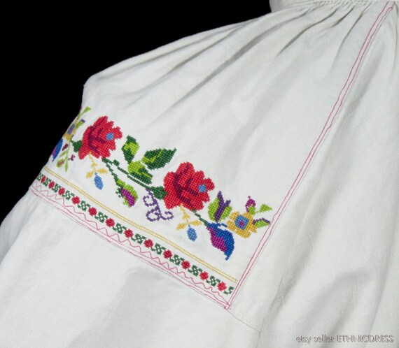 ANTIQUE hand-embroidered peasant blouse from Lowi… - image 5
