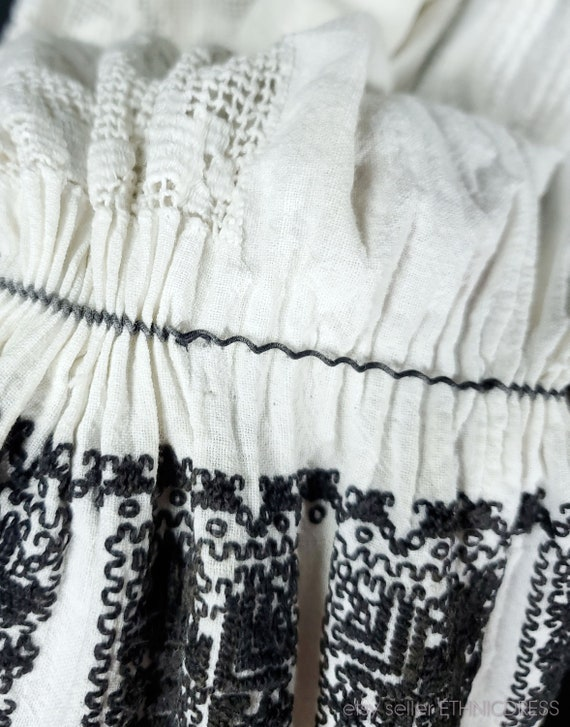 Vintage Croatian-Hungarian folk costume blouse fr… - image 10