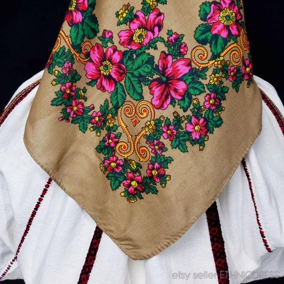 Vintage Hungarian Csango folk costume from Romani… - image 10