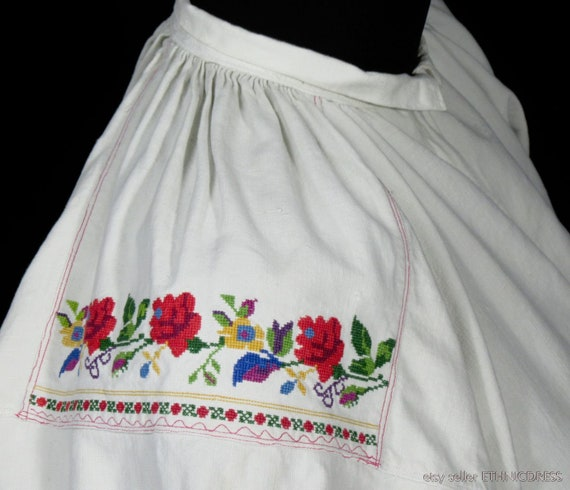 ANTIQUE hand-embroidered peasant blouse from Lowi… - image 4