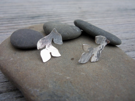 Silver Leaf Earrings. Small post earrings. lightweight Leaves.