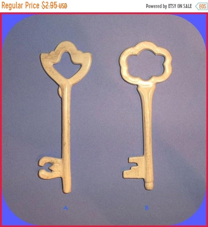 Large Craft Skeleton KEY White 4-14 to 4-12 Inch Metal Decorative Choice A or B