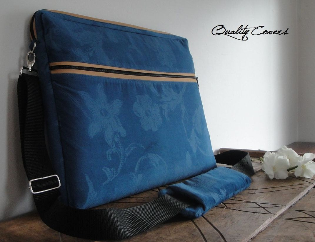 2761841fa432 Custom Messenger Bags