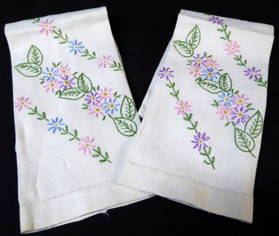 Pair Of Vintage Linen Fingertip Towels Hand Embroidered