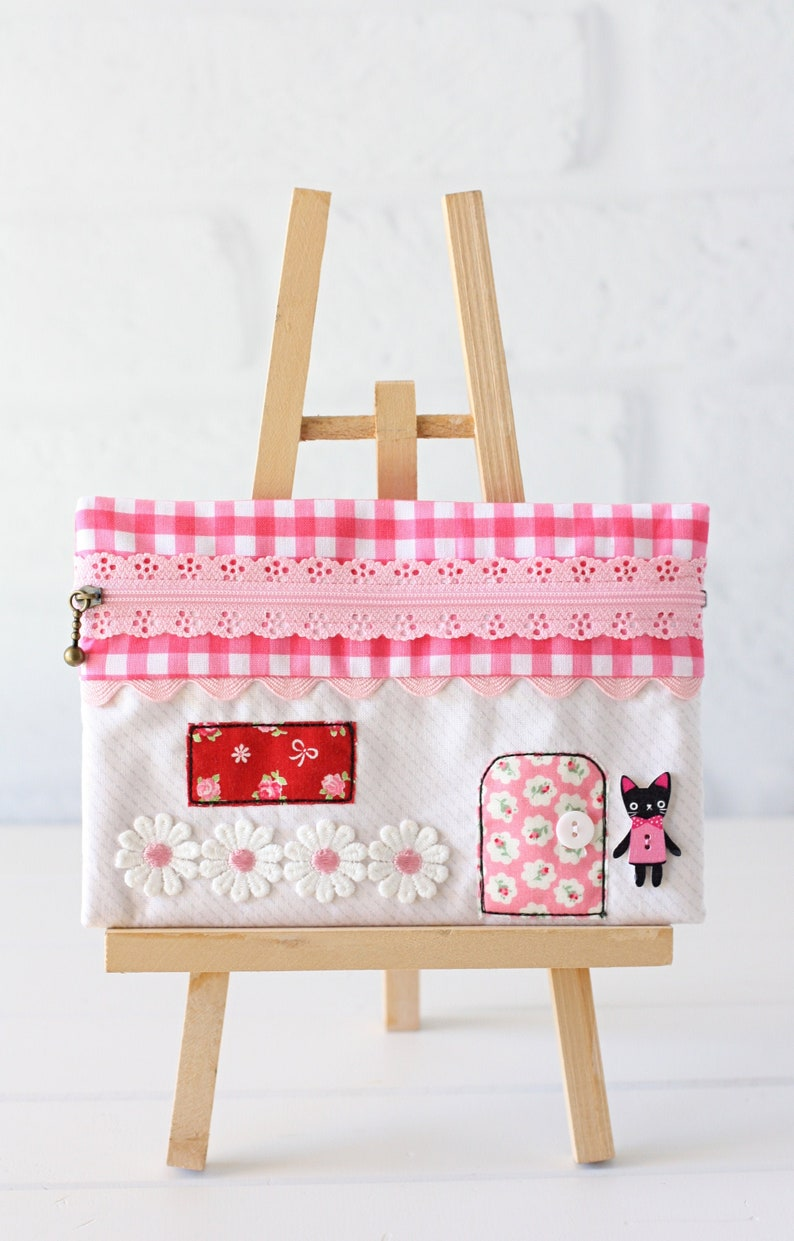 Zippered House Pouch PDF Sewing Pattern image 0